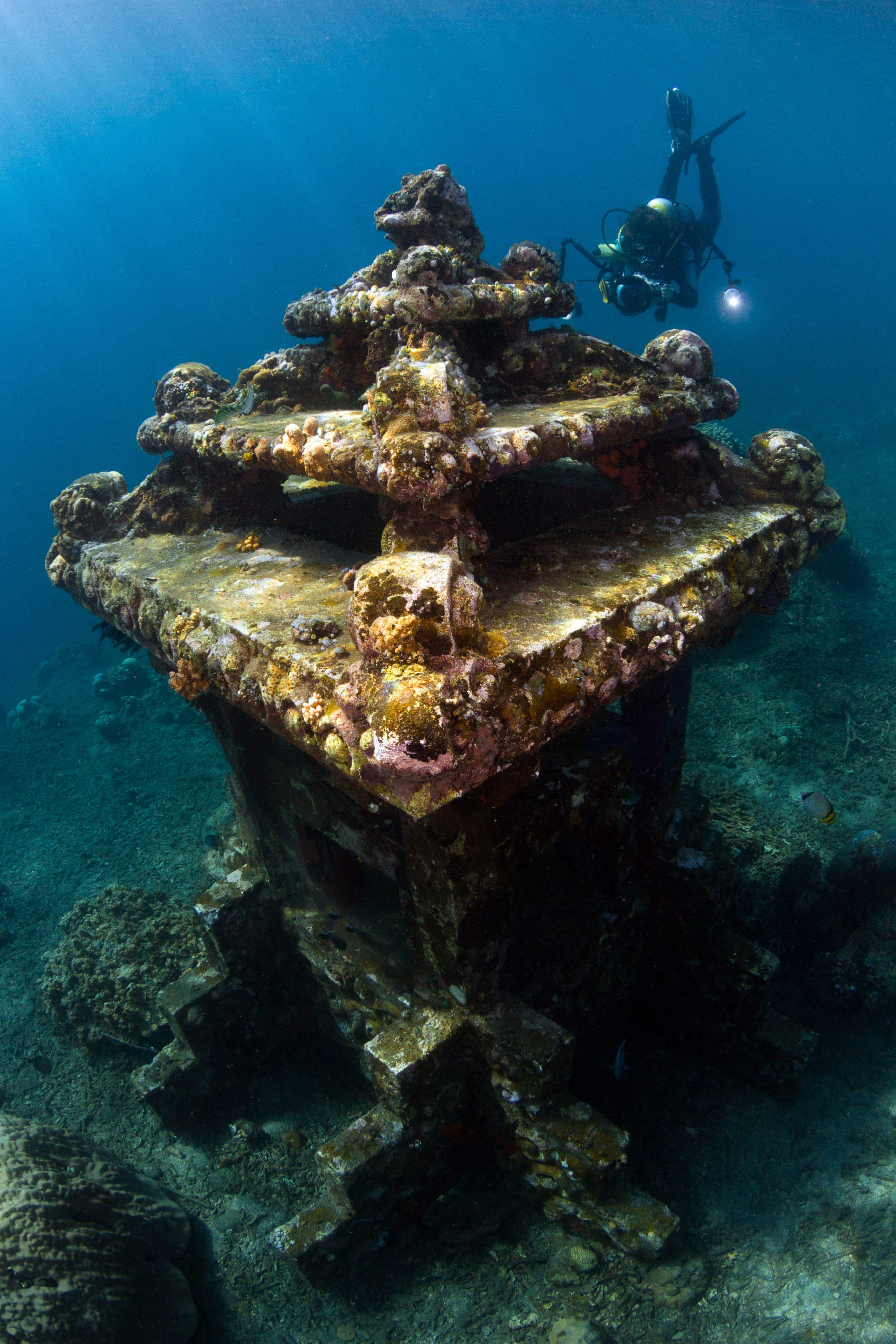templo bajo el agua bali